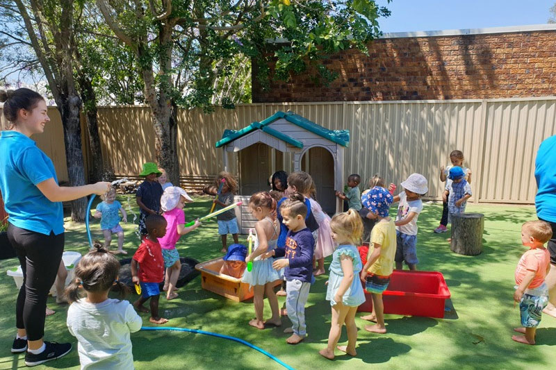 pelican point early learning centre kids playing